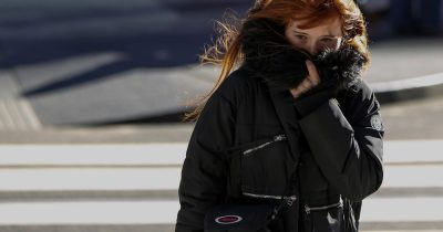What are the virtues of wearing icy outfits?